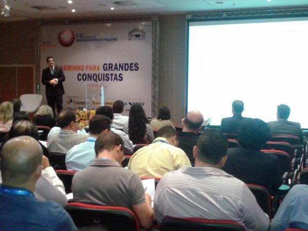 Hayala Curto em palestra no Distrito Federal
